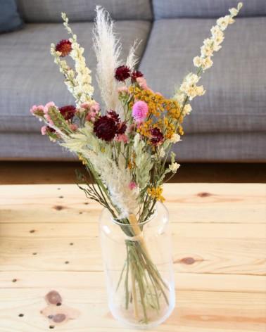 Bouquet de fleurs séchées rose, jaune et bordeaux