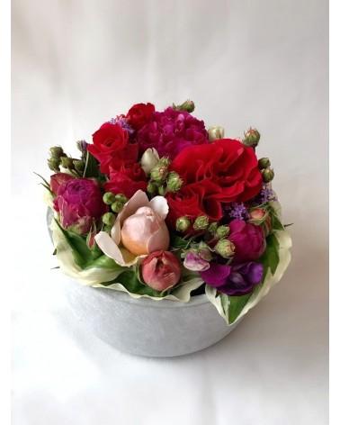 Composition de Roses et Pivoines locales et de saison