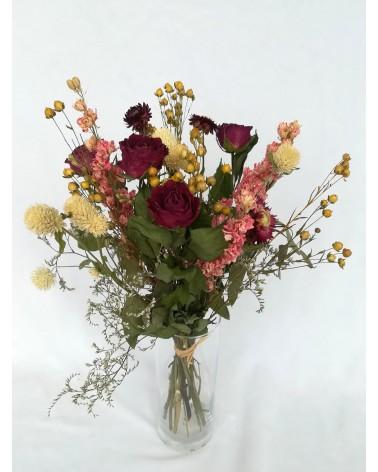 Bouquet de roses séchées et son vase
